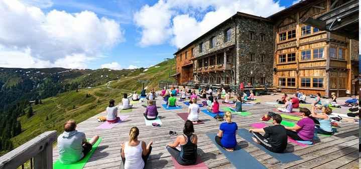 अंतर्राष्ट्रीय योग दिवस - HH FED - ShareChat