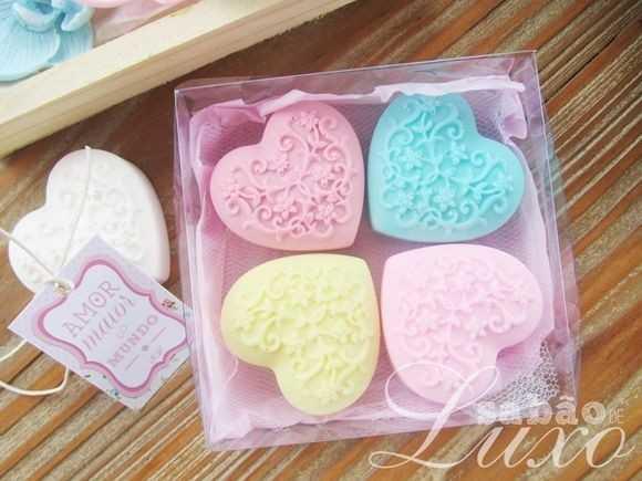 गुलाबी रंग दिवस - AMOR HELLO MUNDO - ShareChat