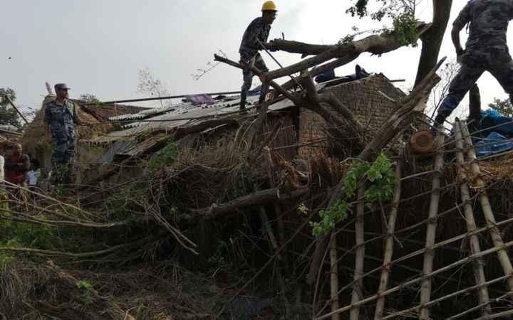 🌪नेपाल में तूफान से तबाही - ShareChat