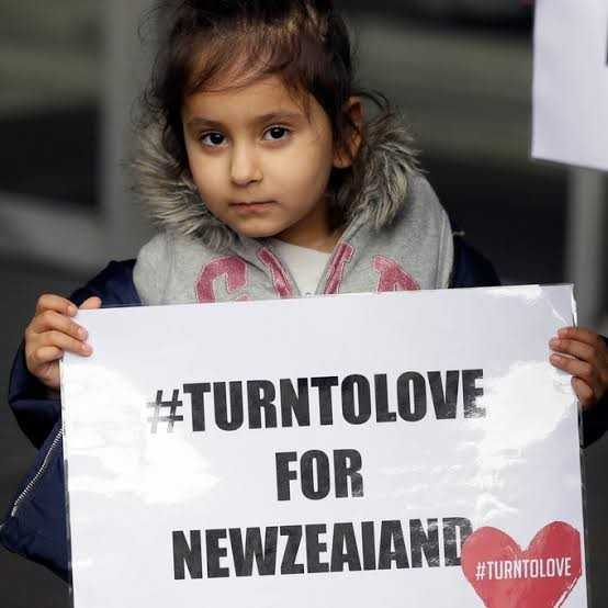 न्यूजीलैंड में आतंकवादी हमला - # TURNTOLOVE FOR NEWZEALAND ROLAN # TURNTOLOVE - ShareChat