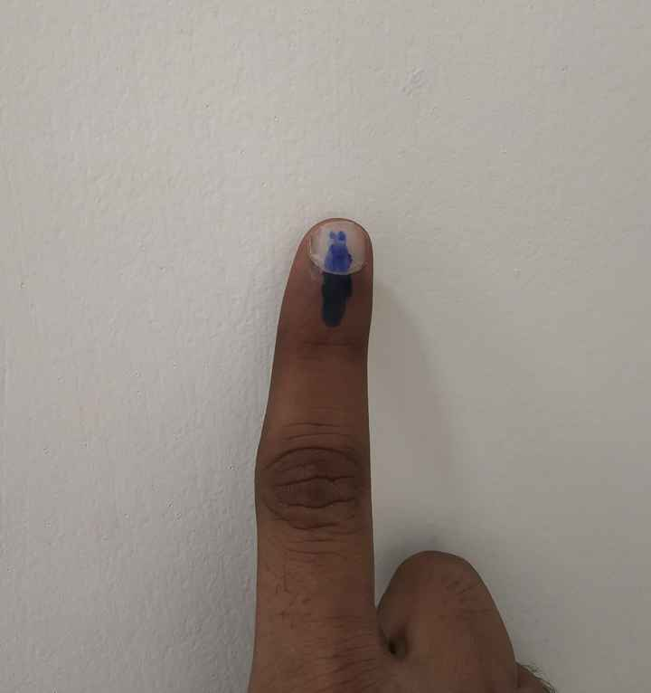 👆मी मतदान केल - ShareChat