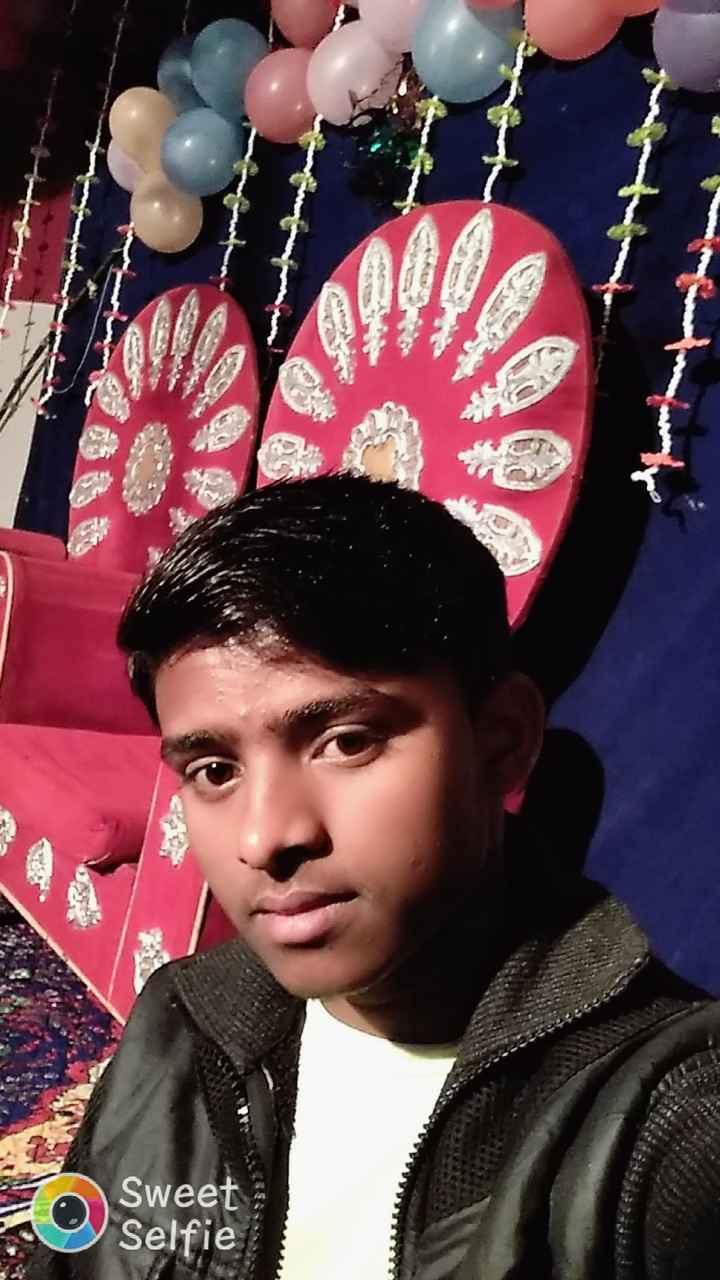 मुंबईः CST फुटओवर ब्रिज गिरा - Sweet Selfie - ShareChat