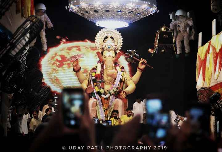 लालबागचा राजा - © UDAY PATIL PHOTOGRAPHY 2019 - ShareChat