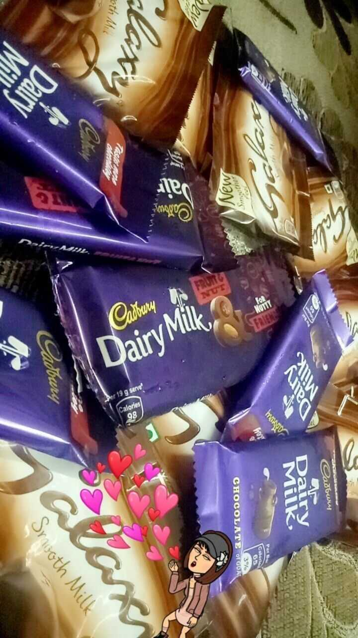 🍫 वर्ल्ड चॉकलेट डे - Cadbury Rating mono NUTI COOL 65 CHOCOLATE O GOR 3º7 MƏN Cattery Dairy Milk 19 g serve Calories 98 Adbury Smooth Milk - ShareChat