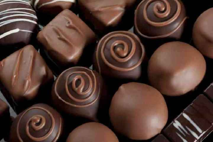 🍫विश्व चॉकलेट दिवस - ShareChat