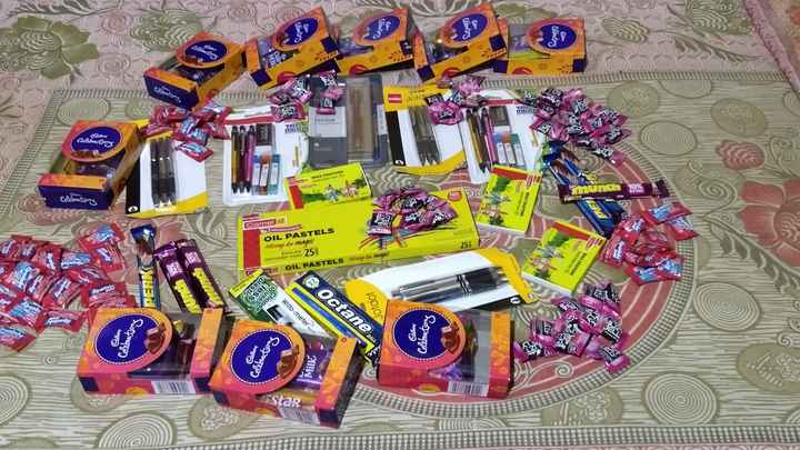 🎉हैप्पी चिल्ड्रन डे👦 - CS chatten 23 19 Montering celo Jordi Lee JELT VECTOR TANDAO WORLIYO TRIA mech ZO WAX CRAYONS Come Celebrations WAX CRAYONS Camel Na Sige OIL PASTELS Mini ter magic 251 nel Richer and 252 Interminable colours ZOE ENTRA 1 OIL PASTELS Meniny ko magic WAX CRAYONS 1 PERK plastic @ Octane Ssais esno osooy Jotdot Colebometrong Cattery Writo - meters Celebrations Cattung Celebration Milk GR - ShareChat