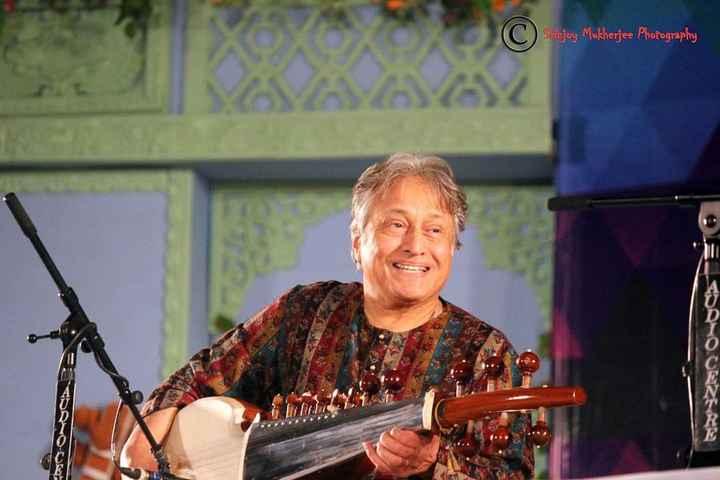 উস্তাদ আমজাদ আলী খান - Siinjoy Mukherjee Photography - ShareChat