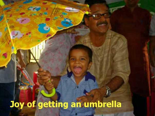 গ্রীষ্মের সানগ্লাস ও ছাতা - Joy of getting an umbrella - ShareChat