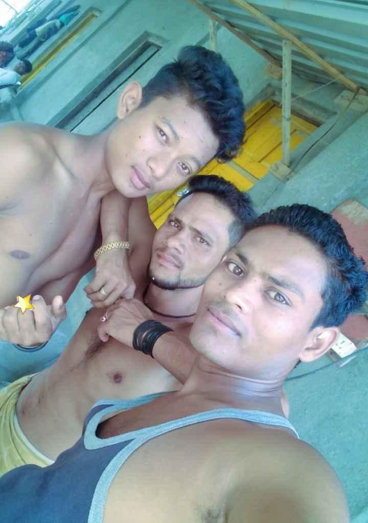 বৰষুণৰ সৈতে চেলফী - ShareChat