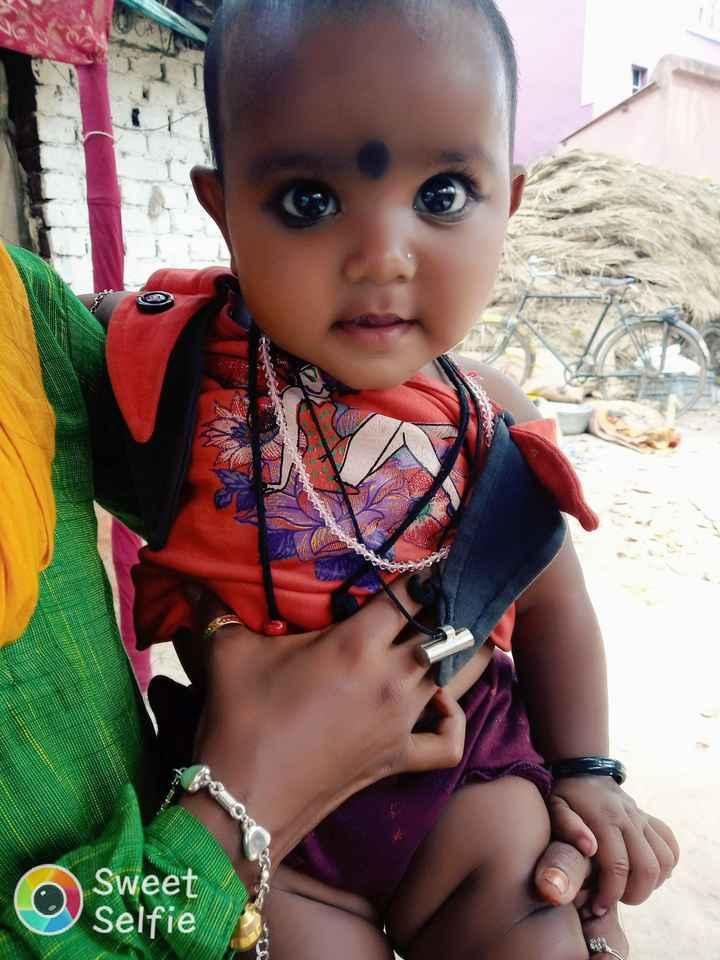 হেনা - Sarasa Sweet Selfie - ShareChat