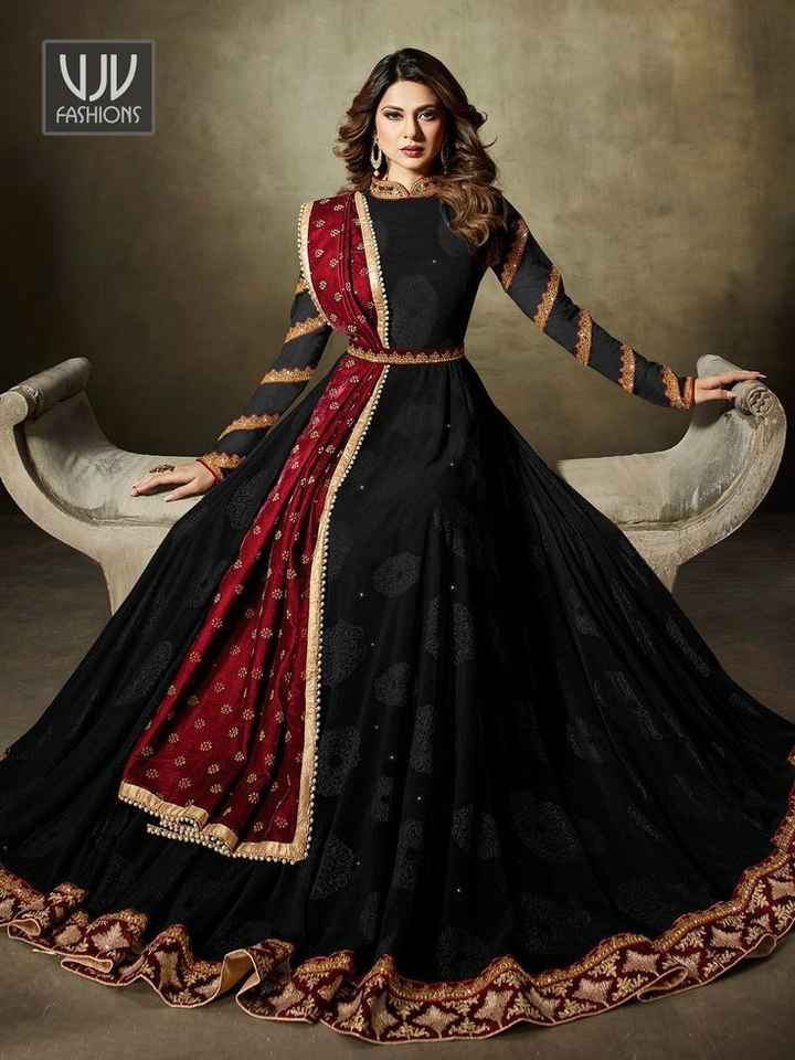 🖤 કાળો કલર (Black) - FASHIONS - ShareChat