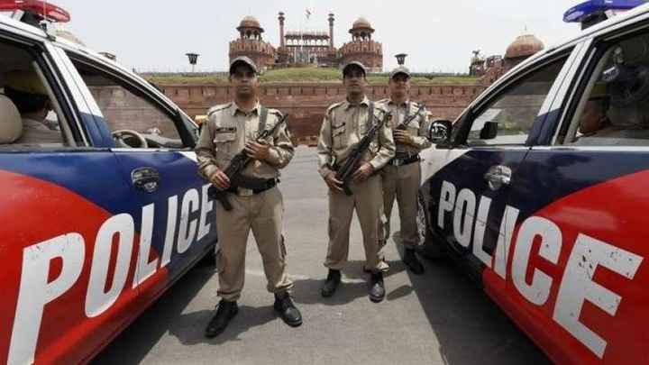 📜 દિલ્હીમાં 3 આતંકીઓ પકડાયા - POLICE - ShareChat