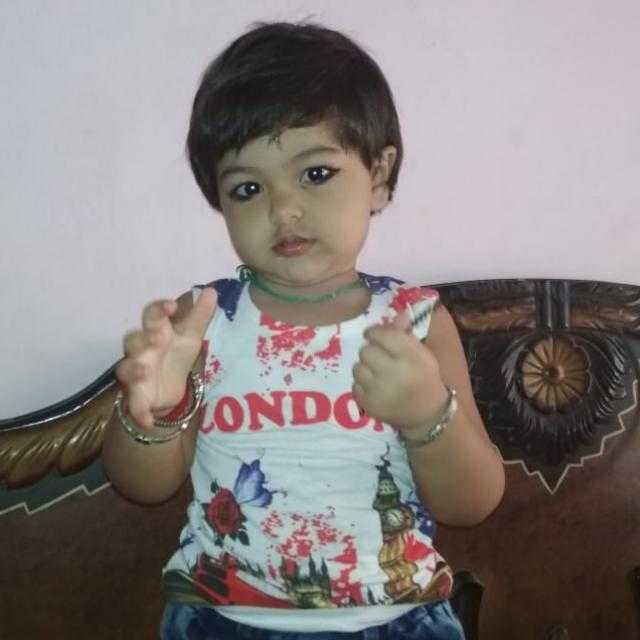 👦 બાળકોની ફોટોગ્રાફી - . LONDO - ShareChat