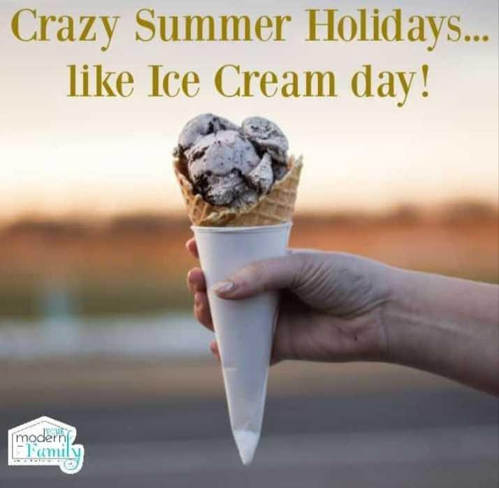🍨 શેરચેટ આઈસક્રિમ દિવસ - Crazy Summer Holidays . . . like Ice Cream day ! moderni - ShareChat
