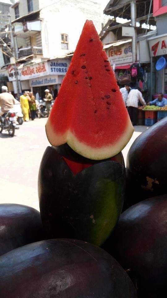 🍉 શેરચેટ તરબૂચ દિવસ - ELE CU JATHIND STORES Jatuh . Stoles - ShareChat