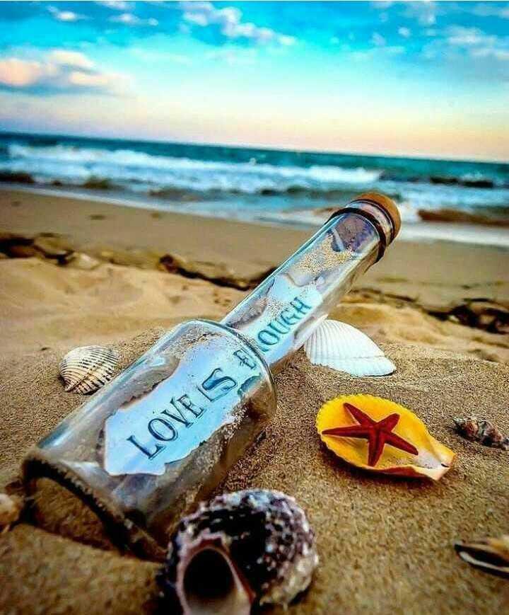 💑 காதல் ஜோடி - LOVE IS FOUGH - - ShareChat