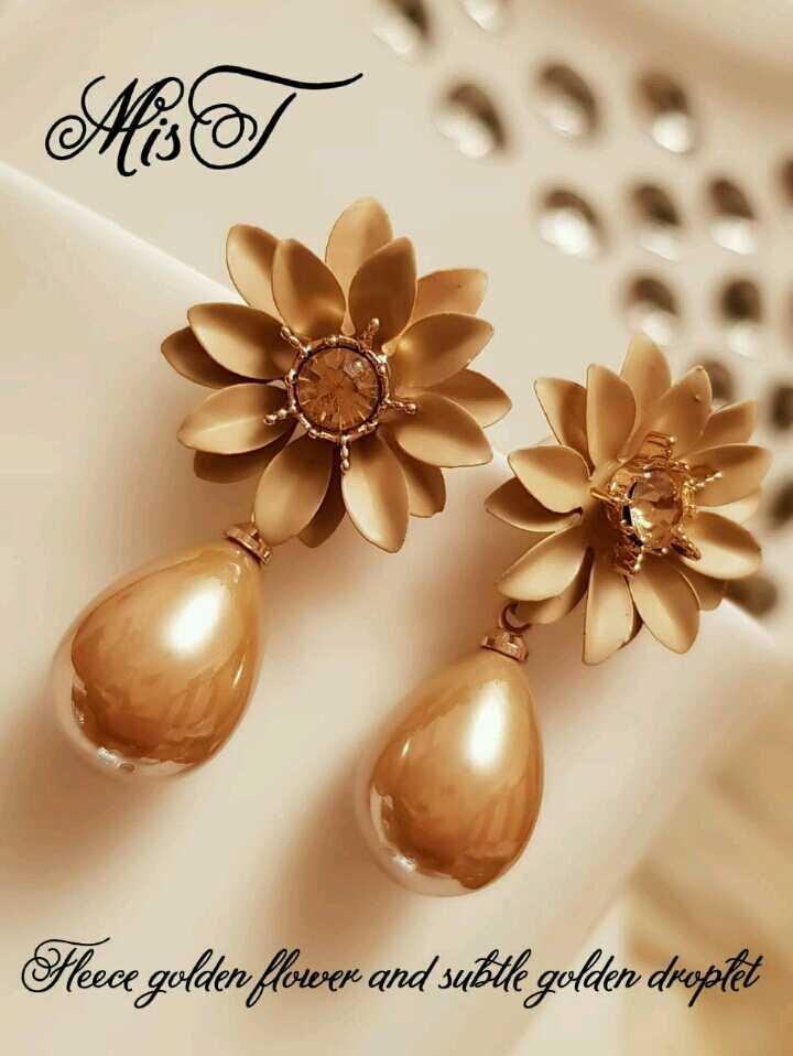 👧 தோடு தினம் - Mi Hece golden flower and suble golden droplet - ShareChat