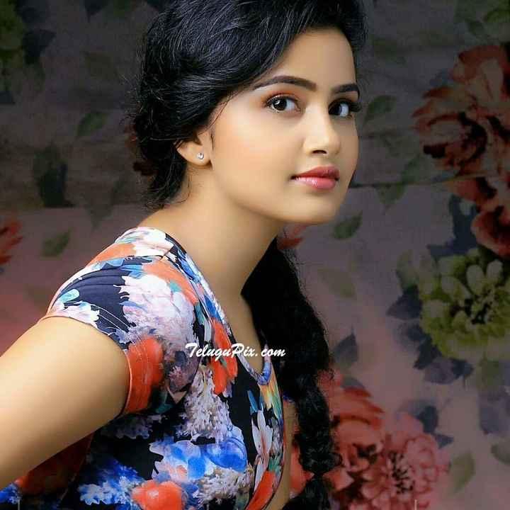 🇹👩టాలీవుడ్ భామలు - TeluguPix . com - ShareChat