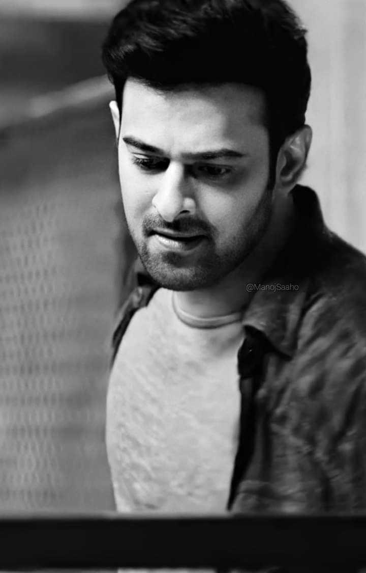 బాలీవుడ్ కపుల్ - @ Manoj Saaho - ShareChat