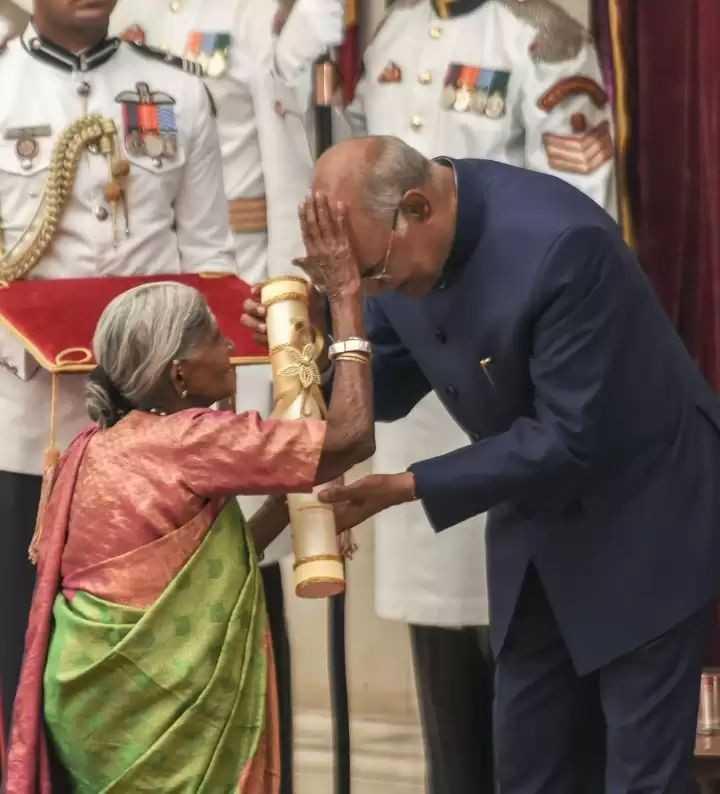 ಪದ್ಮಶ್ರೀ ಪಡೆದ ಸಾಲುಮರದ ತಿಮ್ಮಕ್ಕ - ShareChat