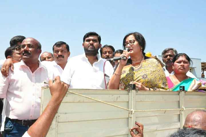 ಸುಮಲತಾ ಅಂಬರೀಶ್ - ShareChat