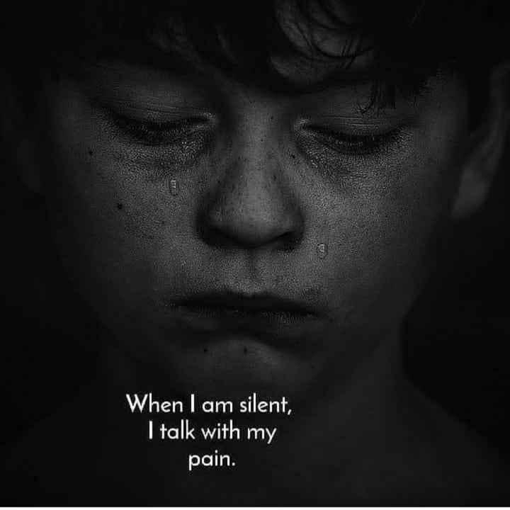 💑 സ്നേഹം - When I am silent , I talk with my pain . - ShareChat