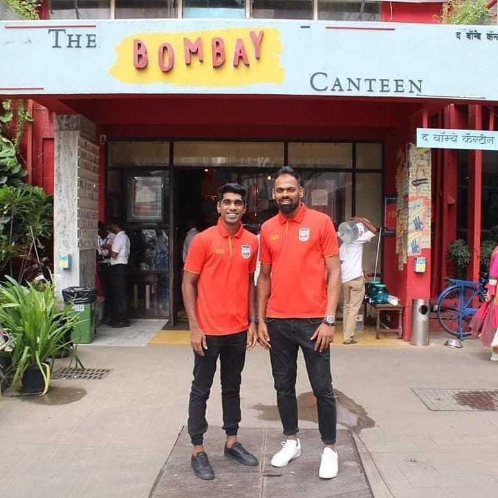 ⚽️इंडियन सुपर लीग Live - - THE द बॉम्बे कन्ट BOMBAY CANTEEN द बॉम्बे कॅन्टीन - ShareChat
