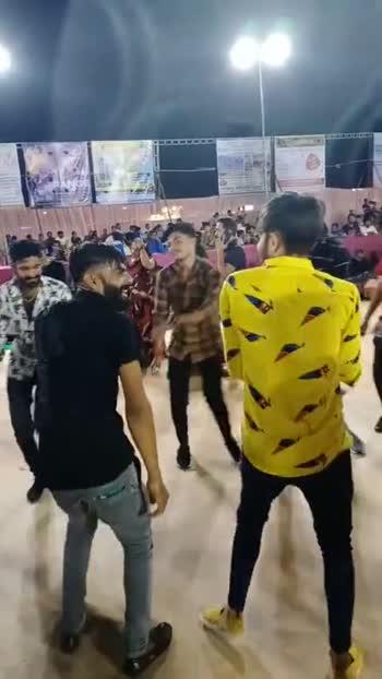 नवरात्री लाईव्ह गरबा-दांडिया - ShareChat