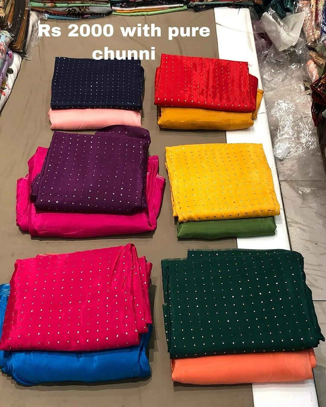 👡ਪੰਜਾਬੀ ਜੁੱਤੀ ਅਤੇ ਸੂਟ - Rs 2000 with pure chunni - ShareChat