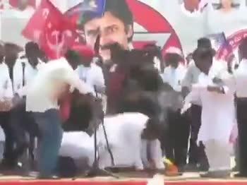 😷పవన్ కళ్యాణ్ కి స్వల్ప అస్వస్థత - ShareChat
