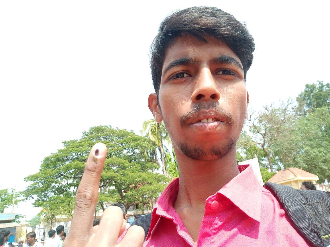 vote ಸೆಲ್ಫಿ - ShareChat