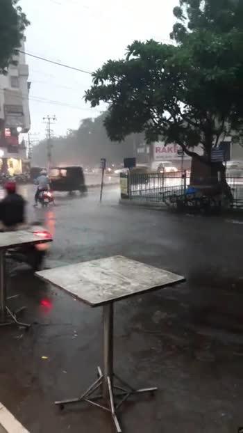 🤒 વરસાદમાં કાળજી - ShareChat
