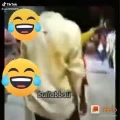 🤪ఇదేం ఫ్యాషన్ అండి బాబు!! - ShareChat