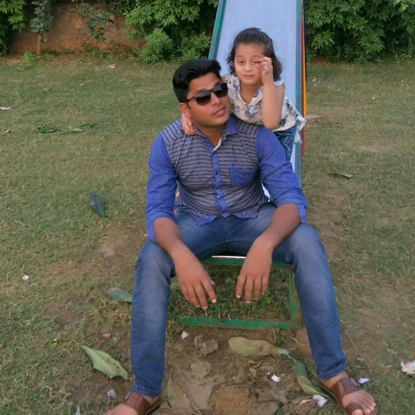 Raju. The FaN oF sWeEt fRiEnDs - Author on ShareChat: Funny, Romantic, Videos, Shayaris, Quotes