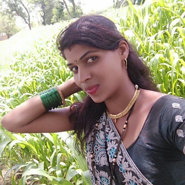 प्रिया - Author on ShareChat: Funny, Romantic, Videos, Shayaris, Quotes