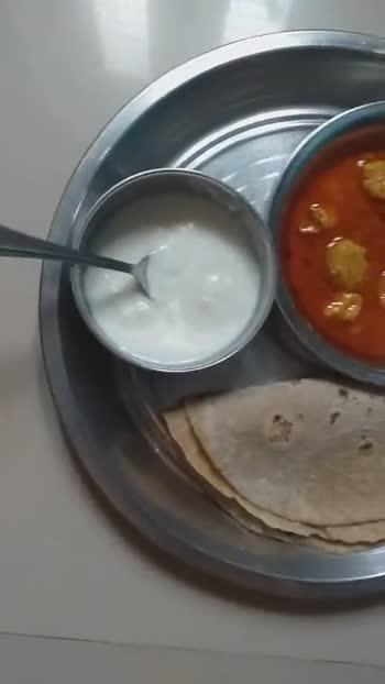 खाने की चीज का वीडियो चैलेंज - ShareChat