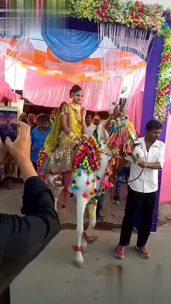 🤳 લગ્ન સેલ્ફી - @ user . ranjit nas @ user . ranjit - ShareChat