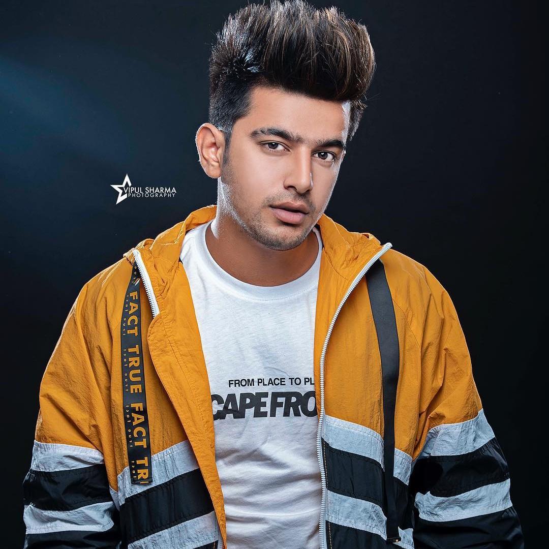 Punjabi Superstar Suit Punjabi Jass Manak New Song