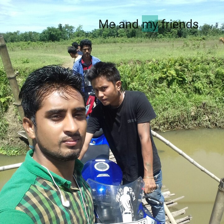 বৰষুণৰ সৈতে চেলফী - Me and my friends - ShareChat