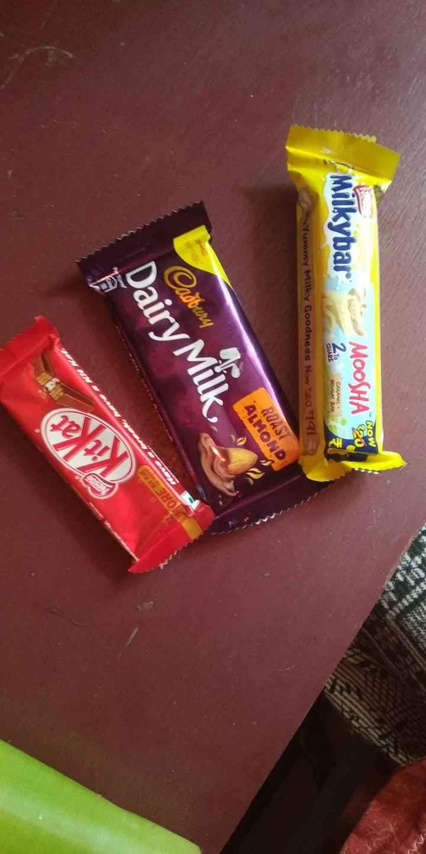 Chocolate 🍫 - NOW Milkybar Milkhart MOOSHA 20 210 CARAMEL NOUGAT BAR CARAMETER SHARE Yummy Milky Goodness Now * 20 191 - ROAST ALMOND adbury Dairy Milk - ShareChat