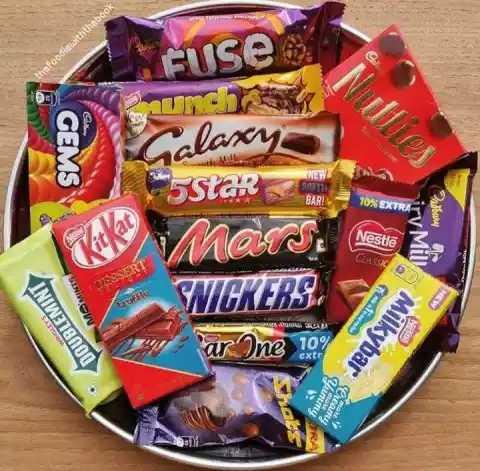 Chocolate 🍫 - Fuse hefoodie withthebook und GEMS Calaxy 5Star Mars . 10 % EXTRA Nestle CLASSIC WICKERS arOne 10 Battery My Milkyh . INIWE 18 000 Milkybar en - ShareChat