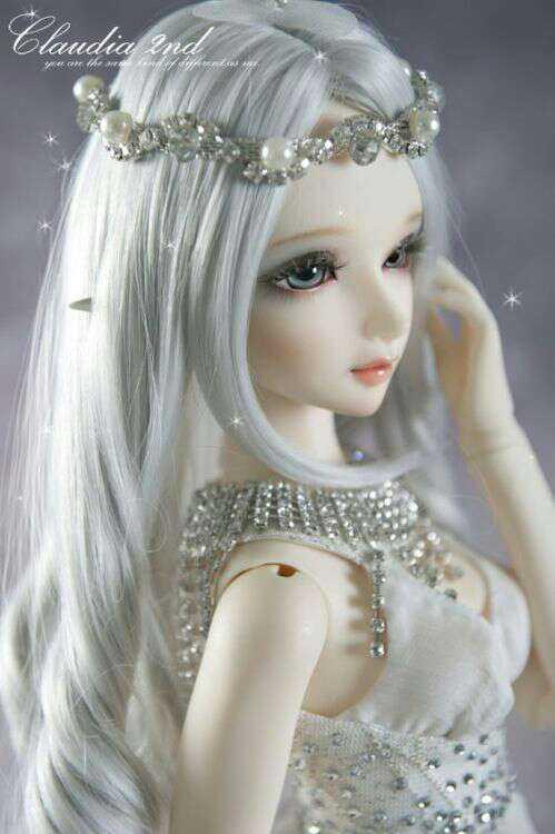 Doll  👸🏽 - Claudia Ind um ihre - ShareChat
