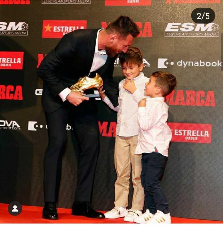 😍 Messi Fans - LAZANSUS SEDA 2 / 5 SM : ESTREJER ESM 7 . SACRIS SEOA TRELLA DANN dynabook RCA E ARCA OVA E . . b ESTRELLA DAMK - ShareChat