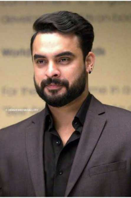🎥 Tovino Fans - CHOMICIOUGALLERY - ShareChat