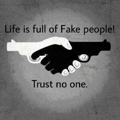 🌆 Typoഗ്രഫി - Life is full of Fake people ! Trust no one . - ShareChat