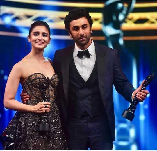 🏆 Zee Cine Awards 2019 - ShareChat