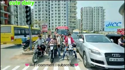 Multi Screen Video Status - ShareChat