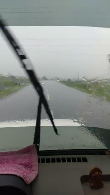 ☔ મુંબઈમાં વરસાદ - ShareChat
