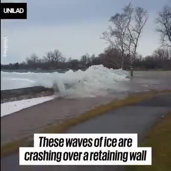 🌄প্রকৃতি - UNILAD and sent the massive ice blocks hurtling over the retaining wall on the shoreline ! UNILAD - ShareChat