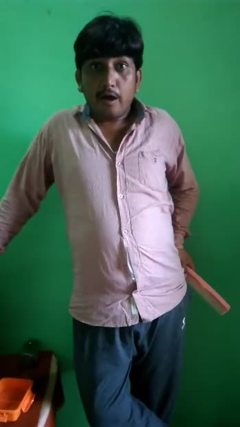 कंघे का वीडियो चैलेंज😜 - ShareChat